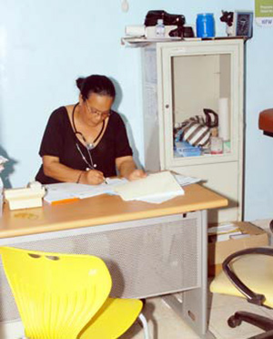Photo of health provider Dr. Sonia Ramirez at the CEPROSH clinic before seeing a patient